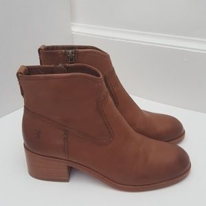 Frye Claire cognac leather bootie 5.5M